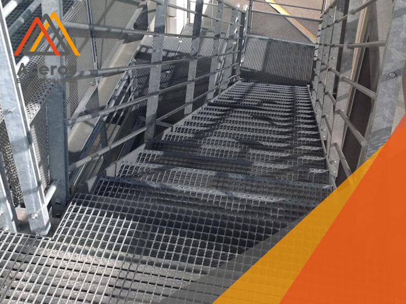 escalones prefabricados de acero